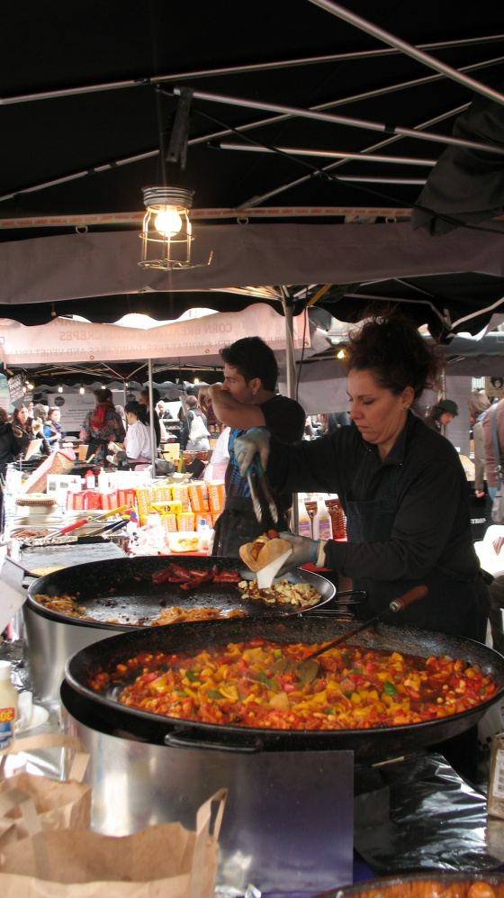 Paella spagnola al Camden Lock Market - Photo by TheLondonHer