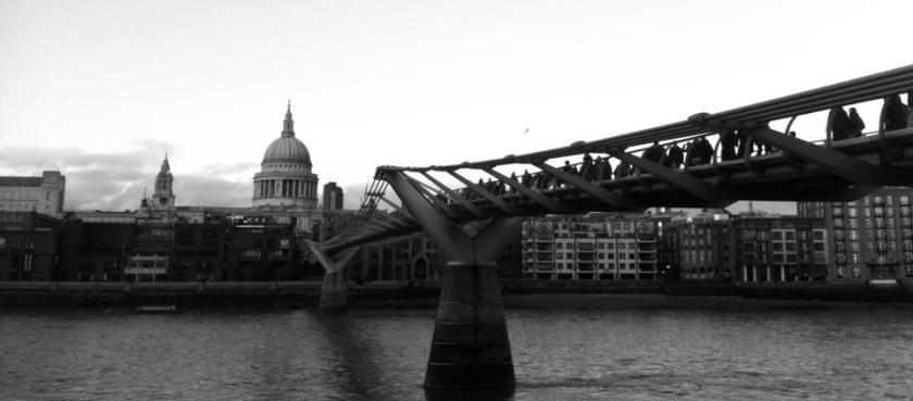 St. Paul's Cathedral e Millennium Bridge dalla Tate Modern - Photo by TheLondonHer
