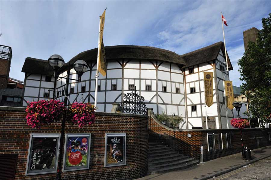 Globe Theatre - Photo via gateway-destinations.com