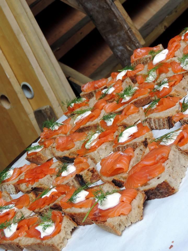 Tartine al salmone al Maltby Street Market - Photo by TheLondonHer