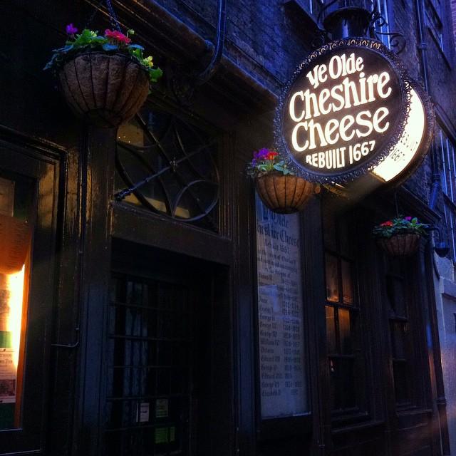 Ye Old Cheshire Pub - Photo by TheLondonHer