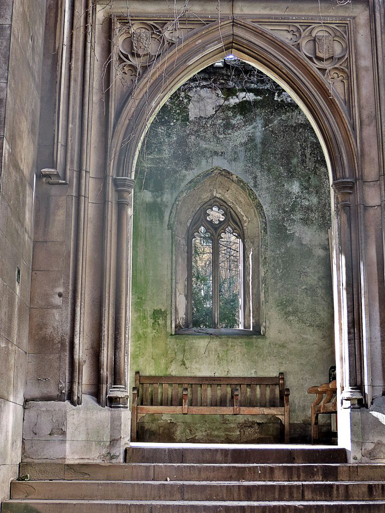 St. Dunstan in the East - Photo By TheLondonHer