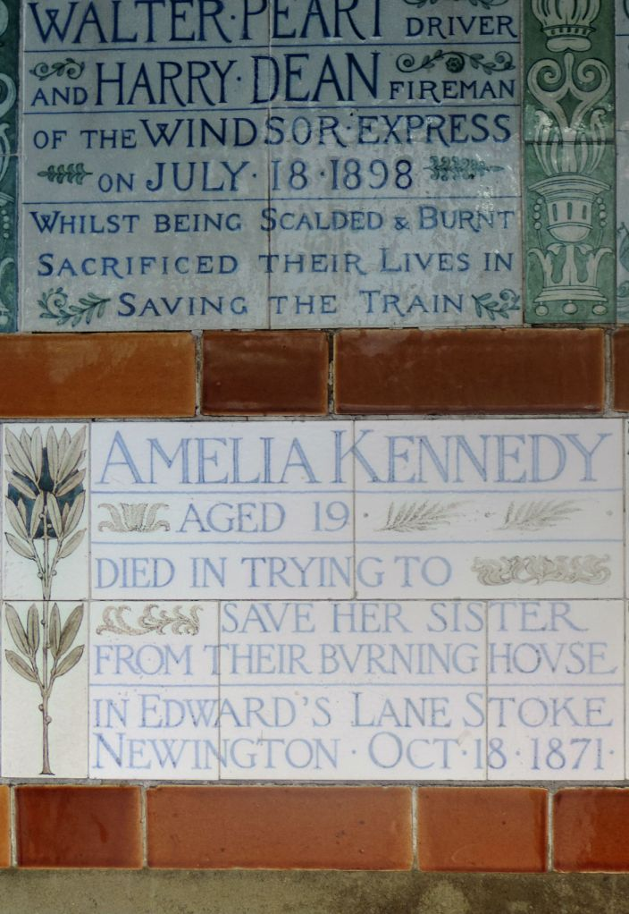 Targhe commemorative di Postman's Park - Photo by TheLondonHer
